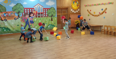 Квадратный пионербол в детском саду